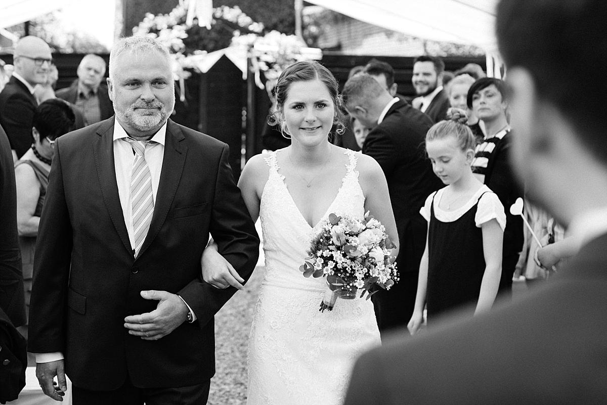 20170513-Blog_Hochzeitsfotograf_Mönchengladbach_Weinhof_Voosen_NinaMarc-0045